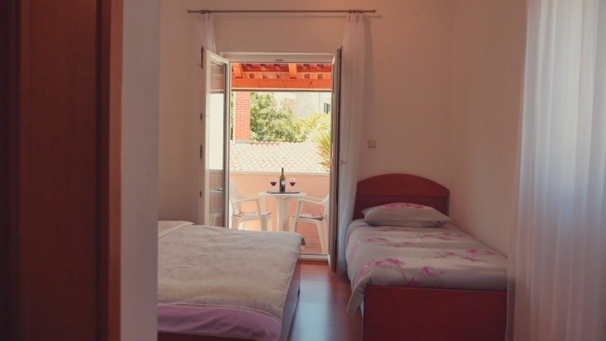 Apartmani Romana POSTIRA  Apartman Marita